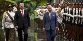 Miguel Díaz-Canel Bermúdez recibe al príncipe Carlos y a la duquesa Camila
