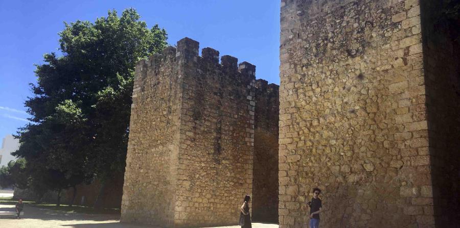 El Castelo dos Governadores es un buen ejemplo de la arquitectura militar del siglo XIV.