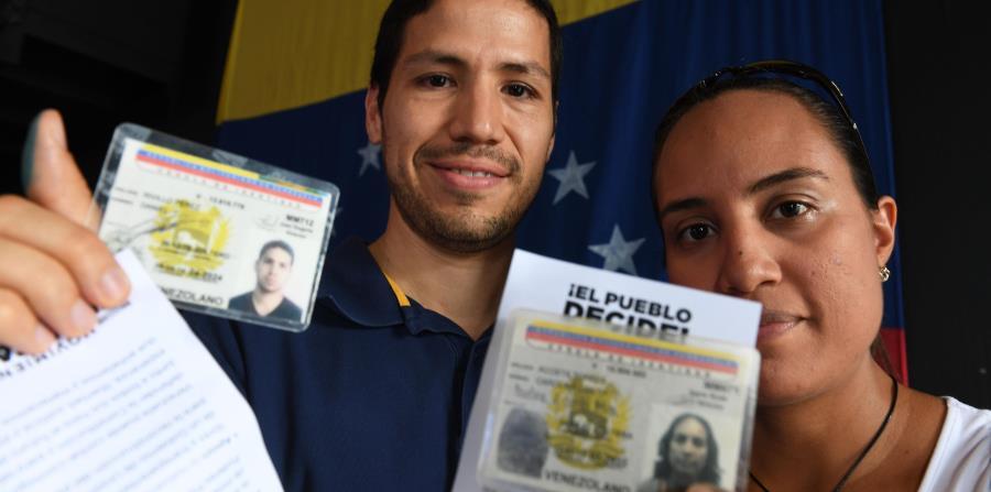 Los venezolanos en la isla se oponen a Maduro (horizontal-x3)