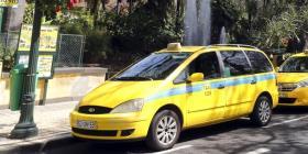 Padres olvidan a su hijo recién nacido dentro de un taxi