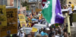 Marchan para exigir un modelo de autosuficiencia energética para la isla