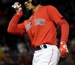 Mookie Betts desempolva el guante de segunda base