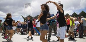 Salseros celebran el 35 aniversario del Día Nacional de la Zalsa