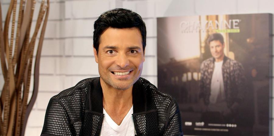 El cantante puertorriqueño Chayanne habla, durante una entrevista en Miami, Florida, del lanzamiento del vídeo de la balada