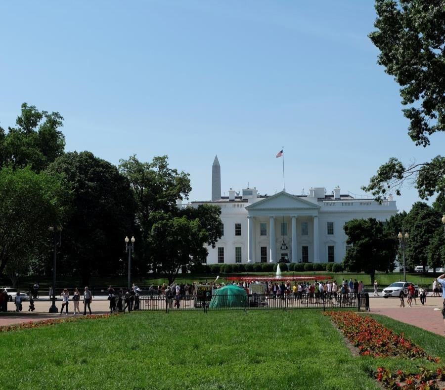 Image of the White House. (semisquare-x3)