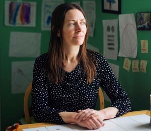 Mujeres describen las cicatrices emocionales de los exámenes pélvicos no consentidos en Estados Unidos