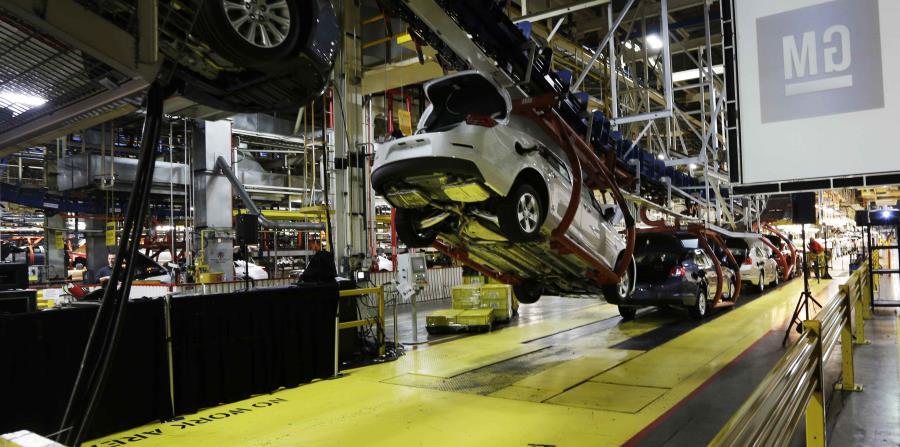 Línea de ensamblaje en una planta de General Motors en Kansas City, Kansas. (horizontal-x3)