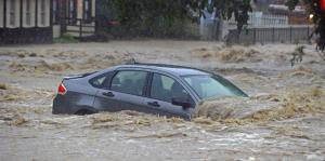 Inundaciones arropan calles de Maryland