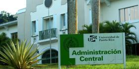 Empleados de la UPR cuestionan cambios a plan médico