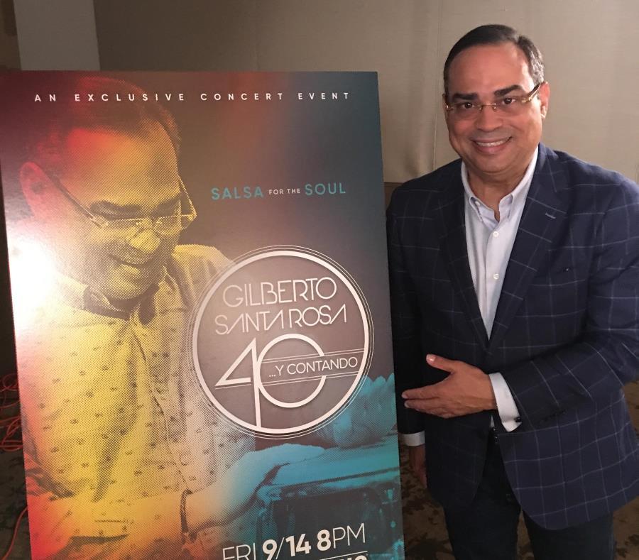 El cantante Gilberto Santa Rosa (semisquare-x3)
