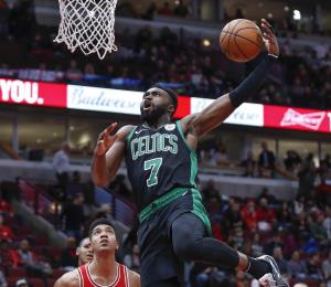 Bulls sufren peor derrota en su historia a manos de los Celtics