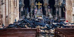 Imágenes del interior de Notre Dame luego del voraz incendio