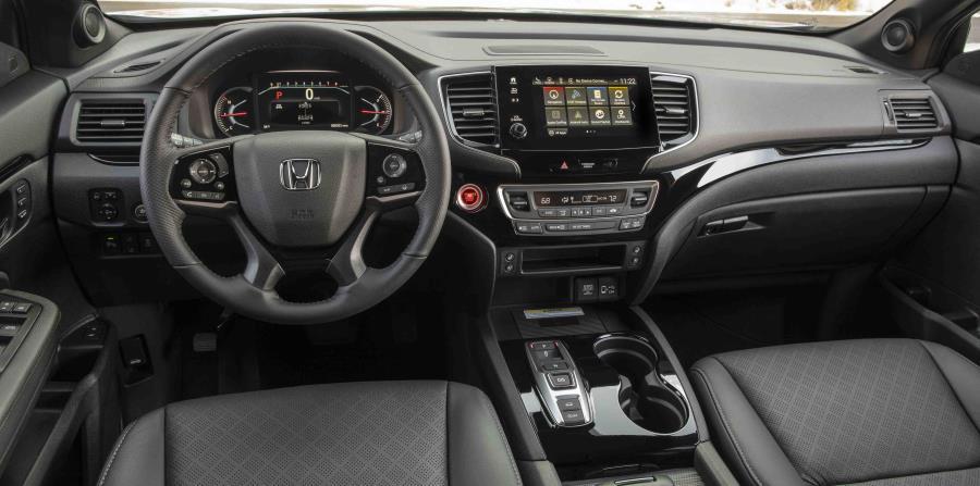 El vehículo tiene un nuevo sistema de infotenimiento con una pantalla táctil de ocho pulgadas en los modelos EXL, Touring y Elite compatible con Apple CarPlay y Android Auto.