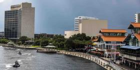 Reabre el centro comercial de Jacksonville donde se produjo el tiroteo