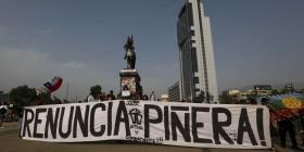 Marcha en silencio conmemora tres meses del estallido de protestas en Chile
