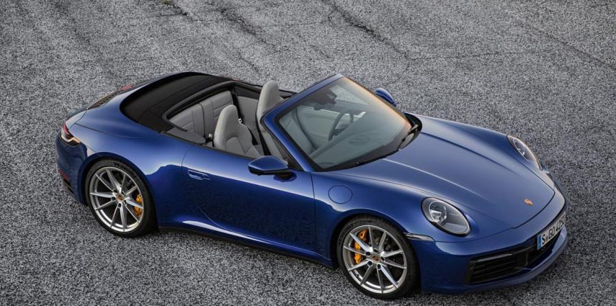 El nuevo 911 Cabriolet tiene un aspecto más ancho y más musculoso que el de su predecesor.