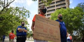 Sindicatos discuten con los patronos la reapertura gubernamental