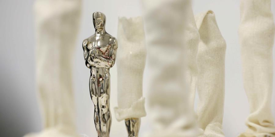 Estatuilla de los premios Oscar (horizontal-x3)