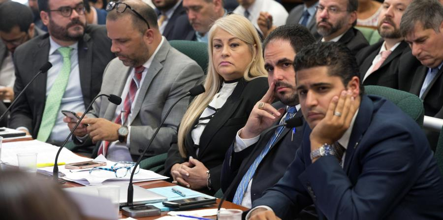 Los miembros de la rama Ejecutiva que acudieron a deponer a favor de la derogación de la Ley 80 fueron duramente cuestionados por los legisladores de la Cámara baja. (horizontal-x3)