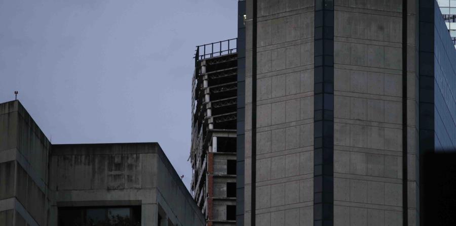 Vista de la inclinación de la Torre Davíd. (AP)