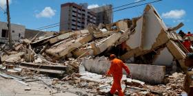 Un edificio de siete pisos se derrumba en Brasil