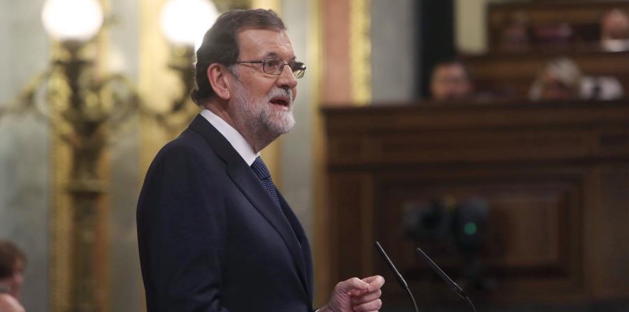 El presidente Mariano Rajoy durante su comparecencia en el pleno del Congreso de los Diputados (EFE). (horizontal-x3)
