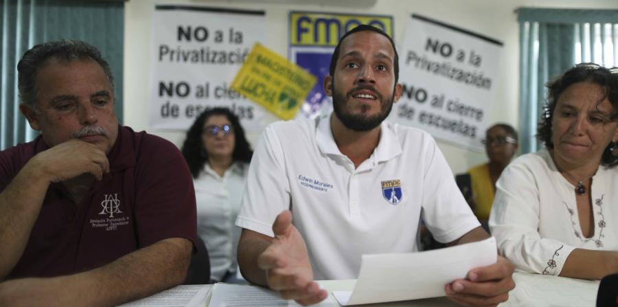 El vicepresidente de la Federación de Maestros, Edwin Morales, dijo que aún hay estudiantes que desconocen la escuela a dónde serán trasladados. (horizontal-x3)