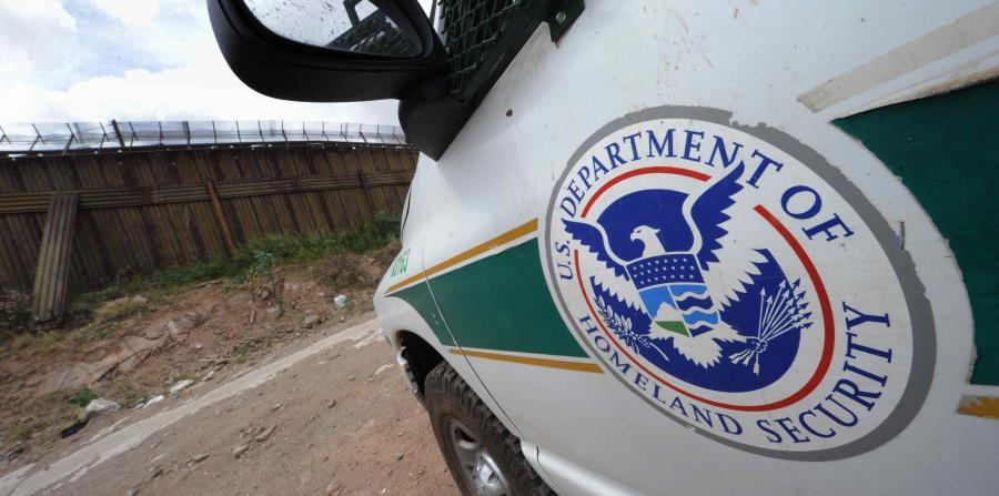"""En un comunicado la agencia de protección fronteriza dijo que sus agentes tienen """"amplia autoridad policial"""" y pueden interrogar a individuos (horizontal-x3)"""