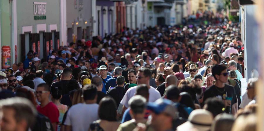 Miles de personas se dieron cita ayer a las Fiestas de la Calle San Sebastián. (Jorge Ramírez Portela / Especial GFR Media) (horizontal-x3)