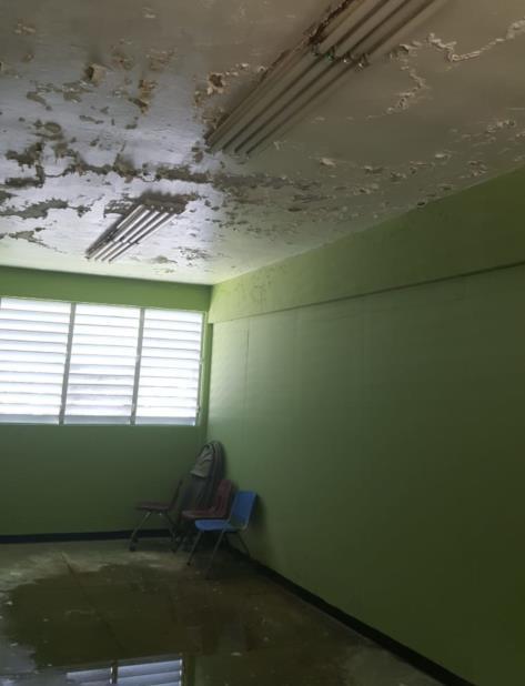 En la foto se muestra uno de los salones de la escuela Guillermina Rosado de Ayala. (Suministrada) (vertical-x1)