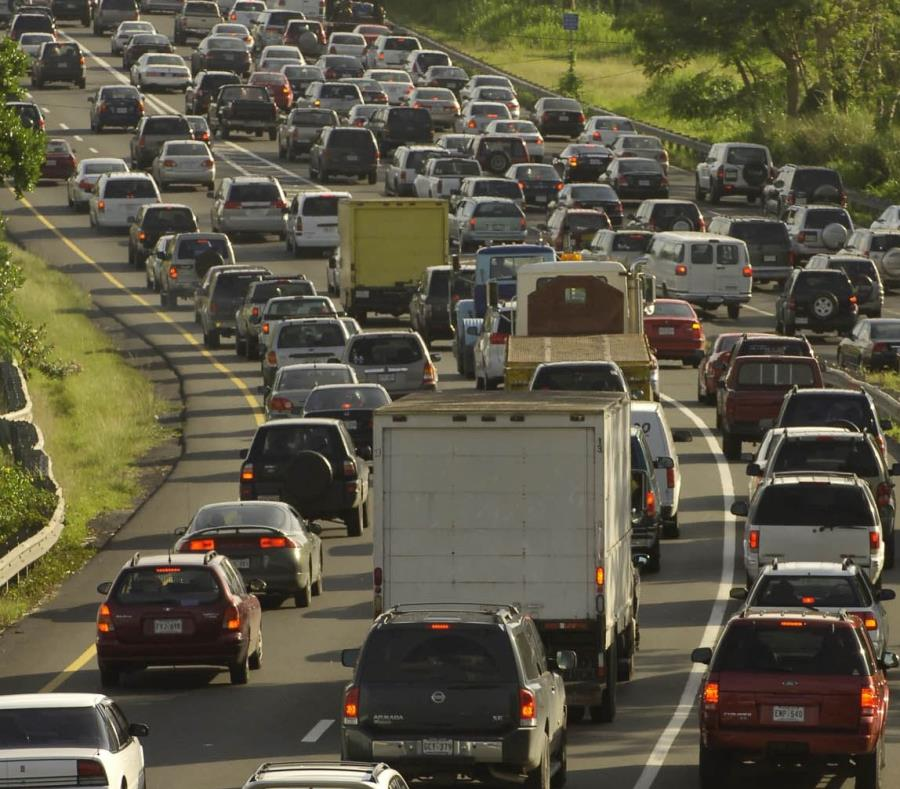 La congestión vehicular se extiende desde Humacao hasta Caguas. (GFR Media) (semisquare-x3)