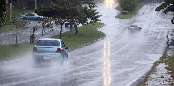 Una vaguada provocará aguaceros y tronadas por varios sectores de la isla este domingo