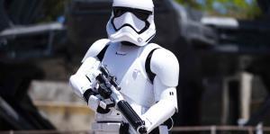 Una vista a la atracción Star Wars: Galaxy's Edge en Disneyland Park