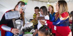 La emoción inunda a niño que celebra su cumpleaños en refugio de Guánica