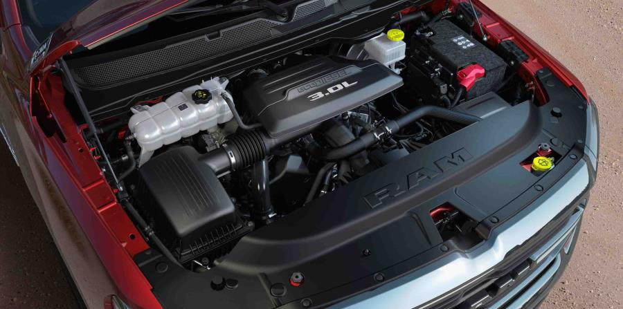 Motor V6 EcoDiesel de 3.0 litros. (Suministrada)