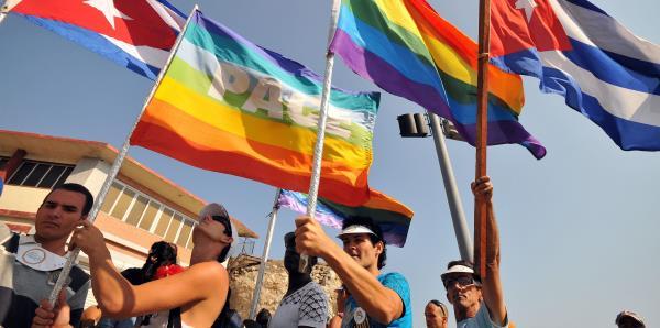 Cuba saca de su Constitución estipulación sobre el matrimonio gay