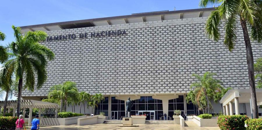 Foto del departamento de hacienda (horizontal-x3)