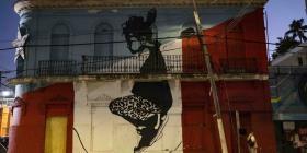 Intervienen mural de Abey Charrón que fue eje de una controversia por un video de Rafa Pabón