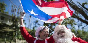 Santa Claus y Mrs. Claus llevaron alegría a barrios en Ponce y Adjuntas