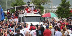 Emoción boricua por la llegada de los Medias Rojas a Puerto Rico
