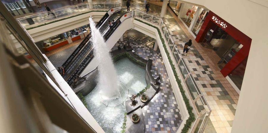 Vista del centro comercial Plaza Las Américas. (horizontal-x3)