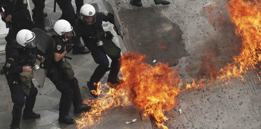 Acto antiausteridad en Grecia se torna violento (horizontal-x3)