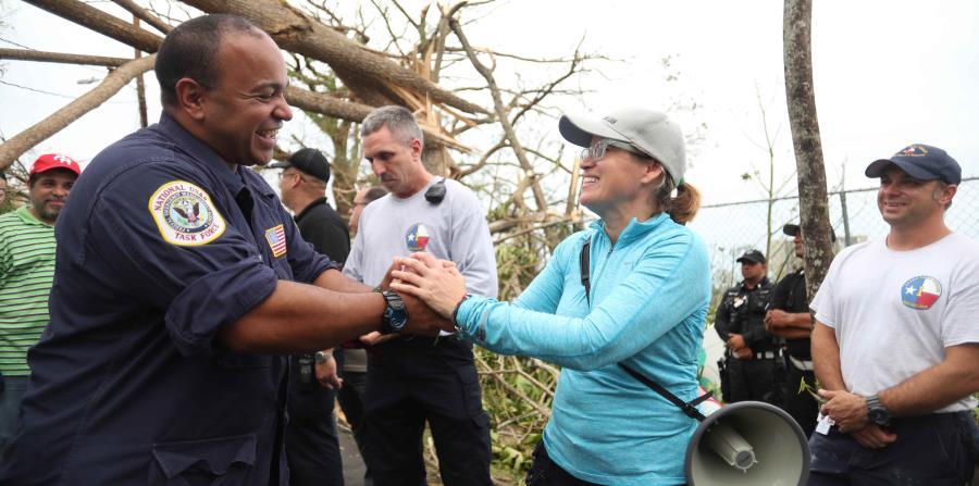Carmen Yulín Cruz durante un recorrido por San Juan para ver las necesidades tras el paso del huracán María. (horizontal-x3)