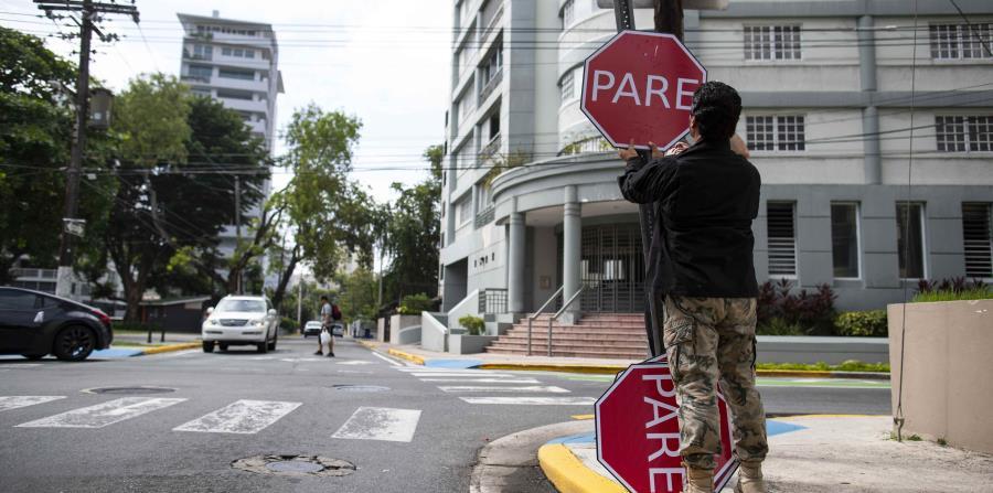 Las señales de tránsito fueron colocadas en lugares donde antes hubo un PARE.
