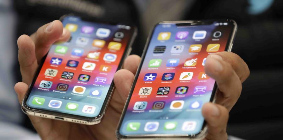 Los nuevos models iPhone Xs y Xr han registrado ventas bajas, según expertos. (AP)