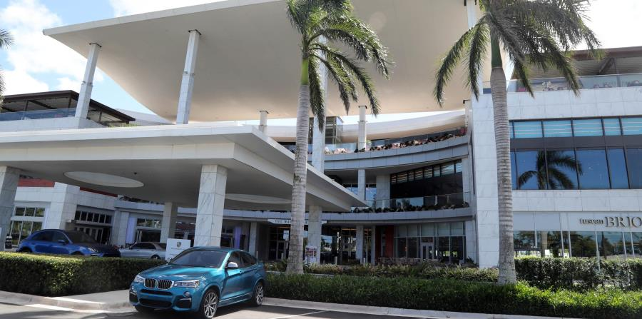 After Hurricane Maria, there are still more than a dozen stores to reopen, including the Nordstrom and Saks Fifth Avenue anchors. (GFR Media) (horizontal-x3)