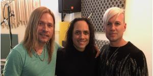 """Exguitarrista de Maná visita la isla para presentar el show """"Échale Vampiro: un tributo al Rock en Español"""""""