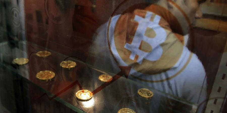 Aunque se desploma, aún hay quienes apuestan por el bitcoin (horizontal-x3)