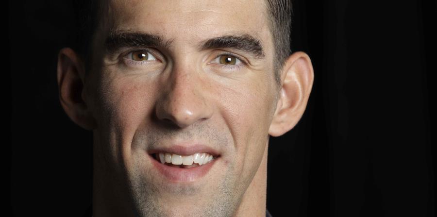 El exnadador olímpico estadounidense Michael Phelps posa para una fotografía en San José, California. (horizontal-x3)