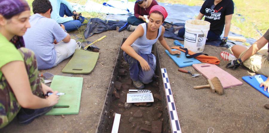 Arqueología, (horizontal-x3)